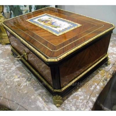 Grand Coffret à Parfum Et Bijoux En Bois De Violette Napoléon III