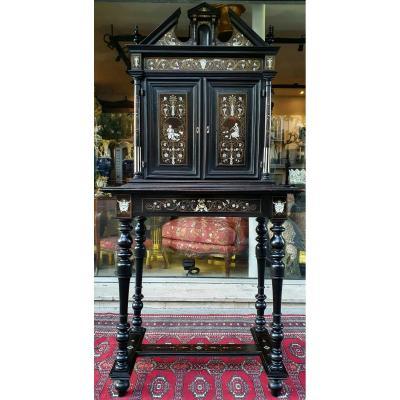 Cabinet Style Renaissance Incrusté d' Ivoire,  Nacre Et Laiton XIX ème