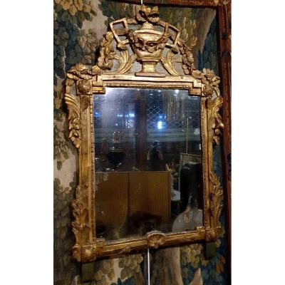 Miroir En Bois Sculpté et Doré d'Epoque Transition XVIII ème