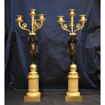 """Paire De Candélabres """"Aux Amours Ailés"""" En Bronze Doré Attribués A Pierre Thomire Epoque Empire"""