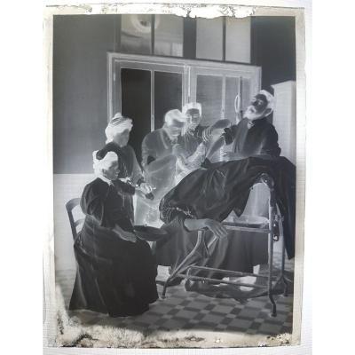 Plaque Négatif Au Gélatino-bromure D'argent Objet Curiosité Médical – Scène D'opération
