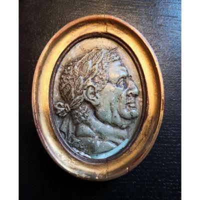 Portrait De Vittelius En Scagliola à l'Imitation Du Porphyre Vert