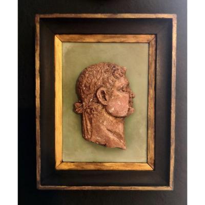 Profil d'Empereur En Plâtre à l'Imitation Du Porphyre