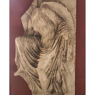 Niké à La Sandale . Bas Relief En Plâtre, Fin XIXe - Début XXe Siècle
