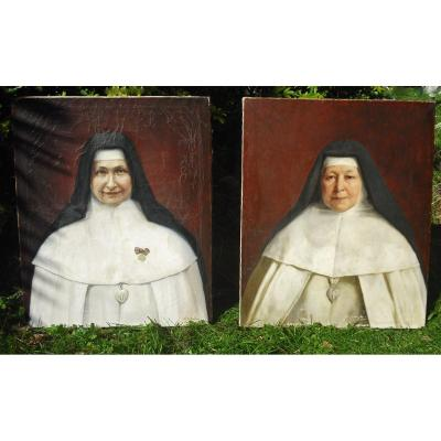 This singular and very rare diptych is part of a batch of <strong>six portraits of nuns ( sold by two&nbsp;&nbsp;</strong>), all apparently from the same congregation&nbsp; of B&eacute;n&eacute;dictine ( see the silver hammered heart that all wear as well as the tricolor knot ) <strong>signed by three different painters including a German and dated between 1911 and 1953 -</strong><br />