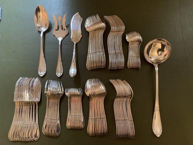 Cutlery / Flatware In Silver Metal