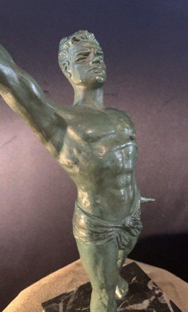 Statue D'athlète Des Années 50.