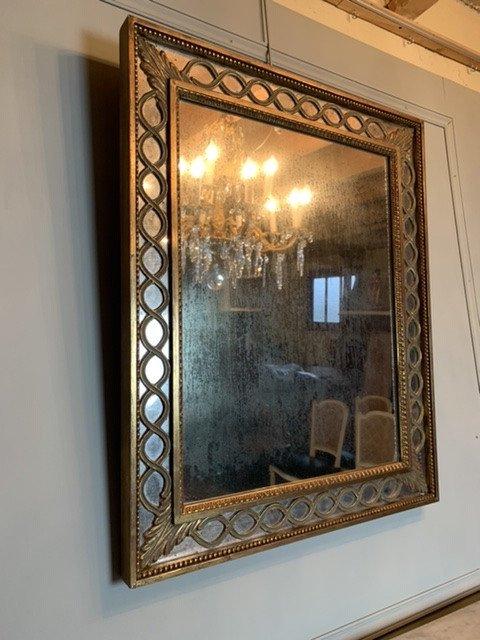 Miroir à Parecloses En Bois Doré. -photo-1