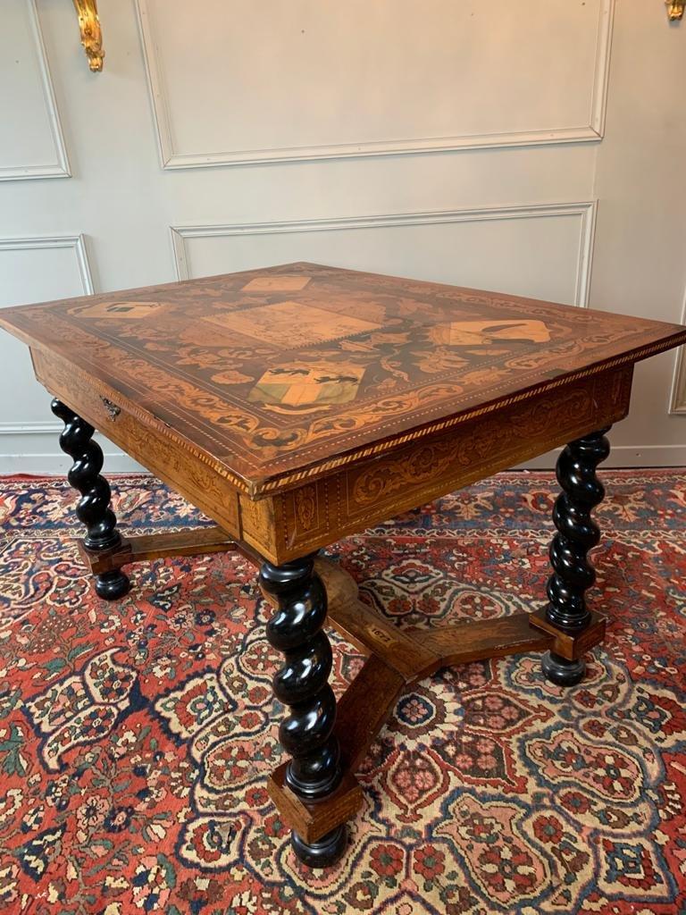Table Hollandaise D'époque XVIII Ème En Marqueterie.