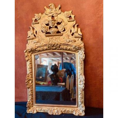 Miroir En Bois Doré D'époque Régence.