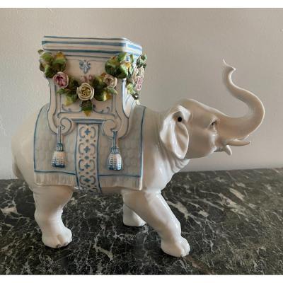 Vase éléphant En Porcelaine De Nymphenburg Vers 1880