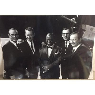Photo Grd Format De Louis Armstrong Durant Une Emission Tv