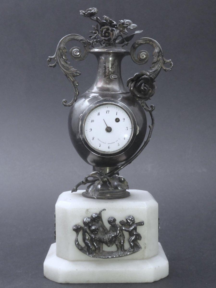Moulinié Bautte & Cie 1804-1837  Pendule miniature de style Louis XVI en Argent massif montre de forme XIXe