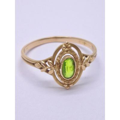 Louis XVI Style Ring In 18k Gold Decorated With A Peridot From The 19th Century T53