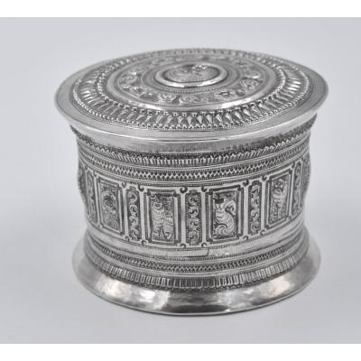 Large Burmese Box In Sterling Silver 19th For Betel Leaves