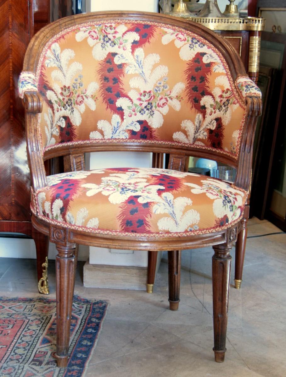 fauteuil de bureau louis xvi en noyer fauteuils. Black Bedroom Furniture Sets. Home Design Ideas