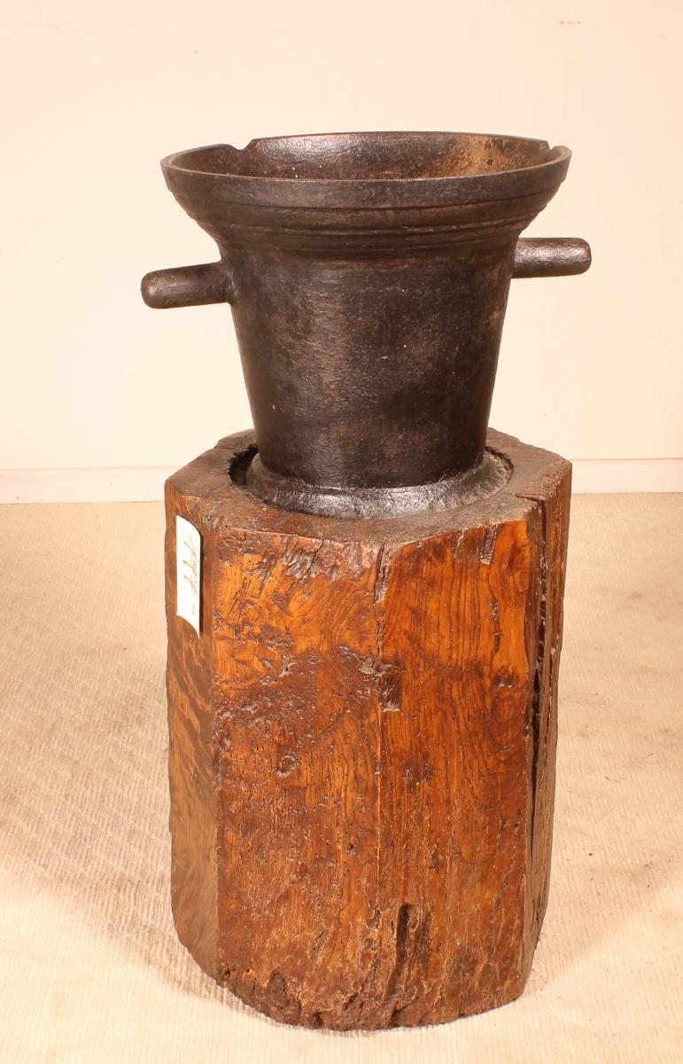 Mortier En Fonte Circa 1600 Avec Son Billot d'Origine-photo-2