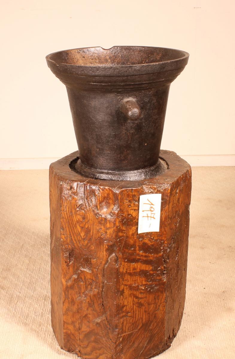 Mortier En Fonte Circa 1600 Avec Son Billot d'Origine-photo-3