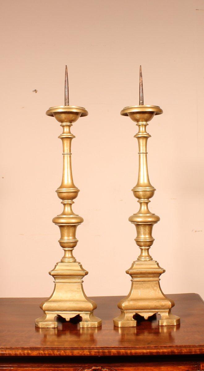 Paire De Flambeau Italien Fin 17° Siècle En Bronze