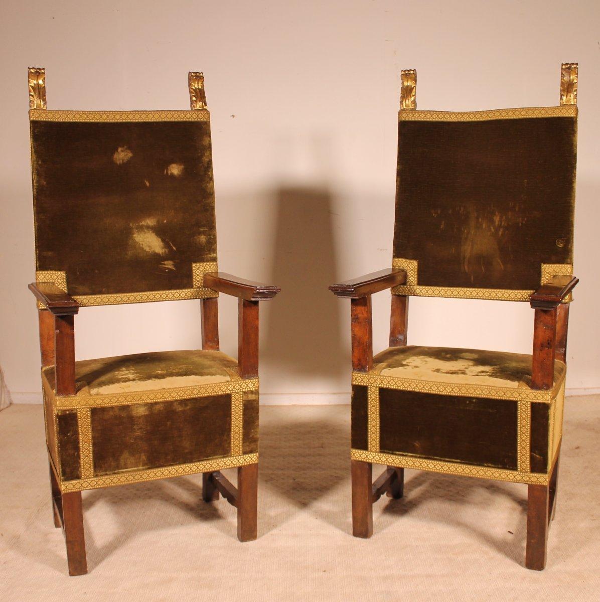Pair Of Italian Armchairs In Walnut Circa 1600-renaissance Period