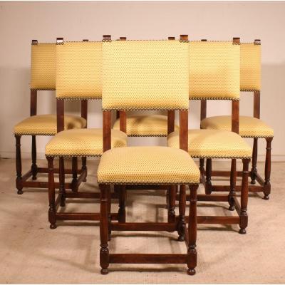 Série De 6 Chaises De Style Louis XIII En Noyer