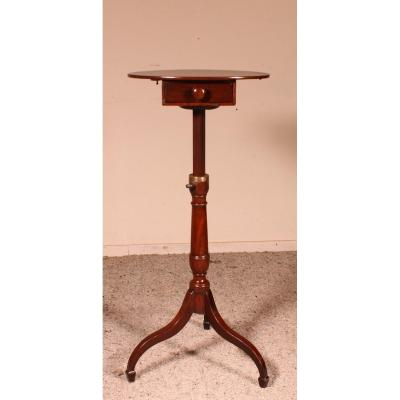Small Tripod Pedestal Table With Mechanism -19 ° Century In Mahogany