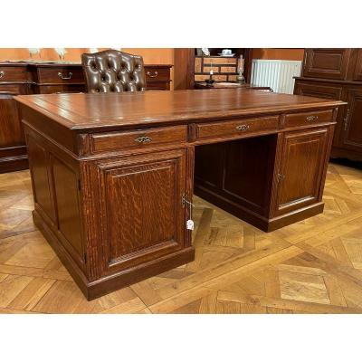 Important French Pedestal Desk From The 19th Century In Oak