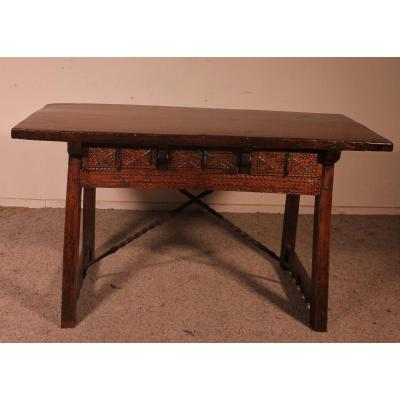 17th Century Spanish Table With Three Drawers In Chestnut