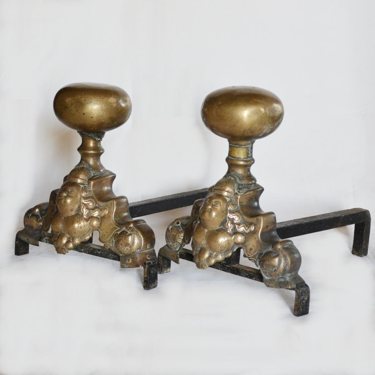 Pair Of Andchers In Marmouset XVII