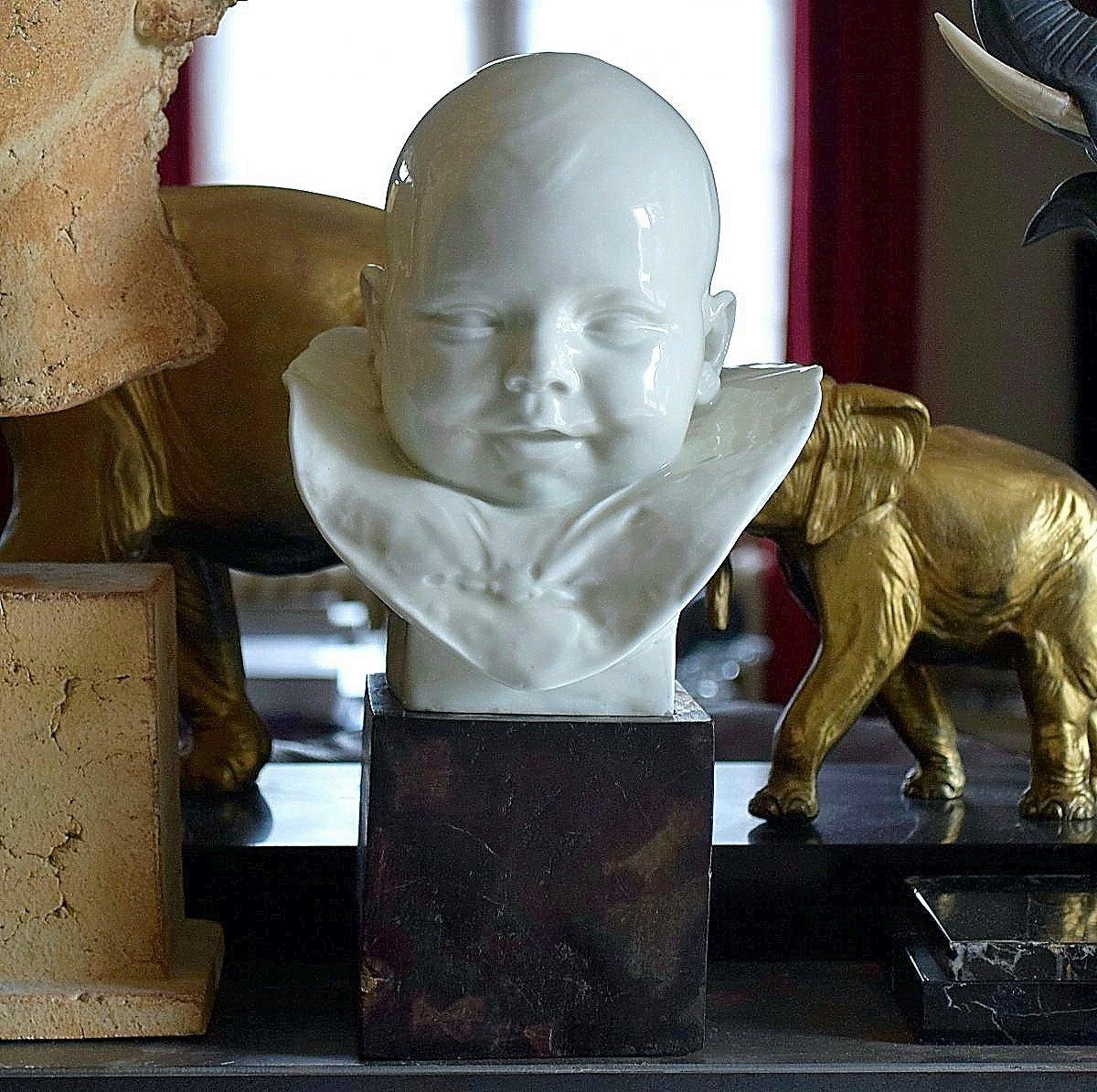"""Max Blondat """"Enfant"""" en Porcelaine de Paris"""