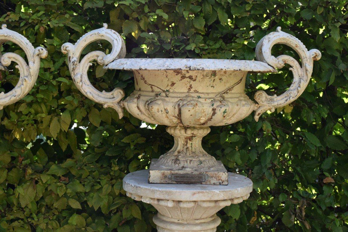 Grande paire de vases modèle Chambord Val d'Osne sur colonnes -photo-4