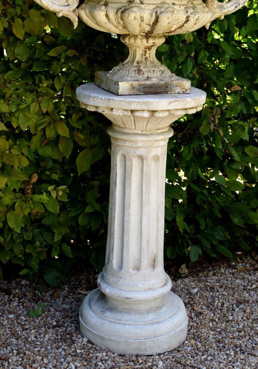 Grande paire de vases modèle Chambord Val d'Osne sur colonnes -photo-8