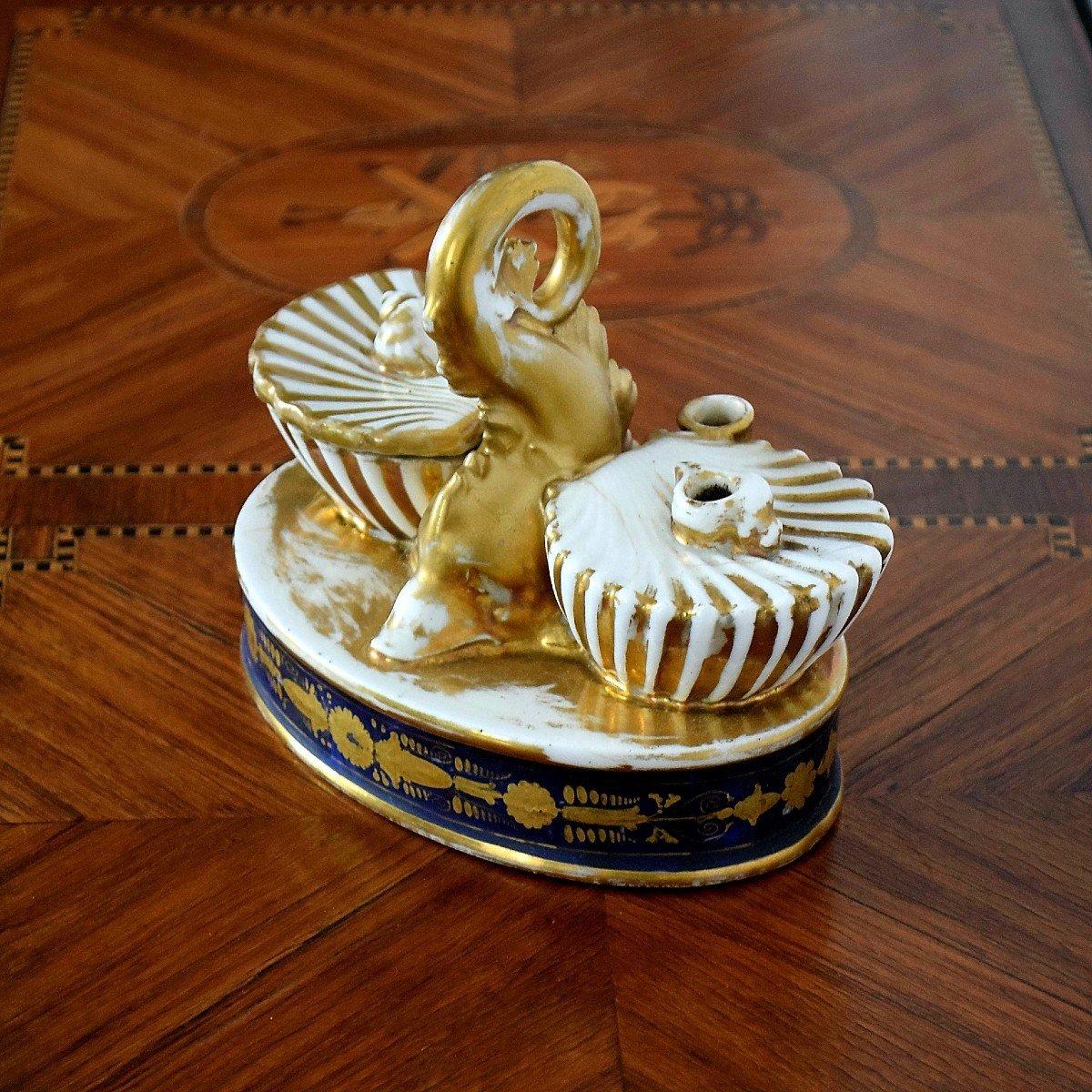 Encrier au dauphin Porcelaine de Paris Epoque Charles X