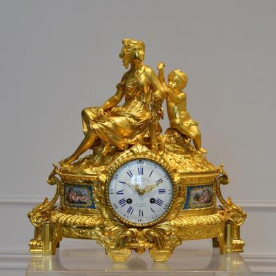 """Pendule bronze et porcelaine """"Demeter"""" XIXème"""