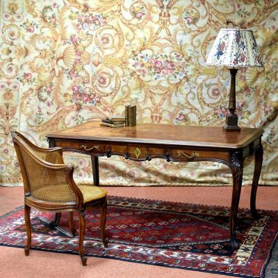 Grand bureau plat de style Louis XV