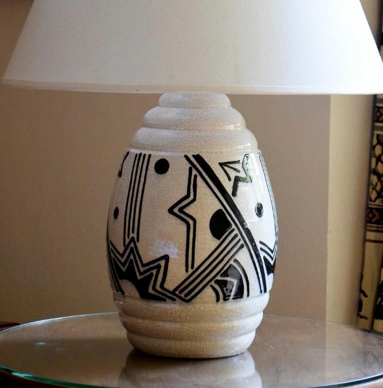 Grande lampe art déco africaniste en faïence craquelée-photo-3
