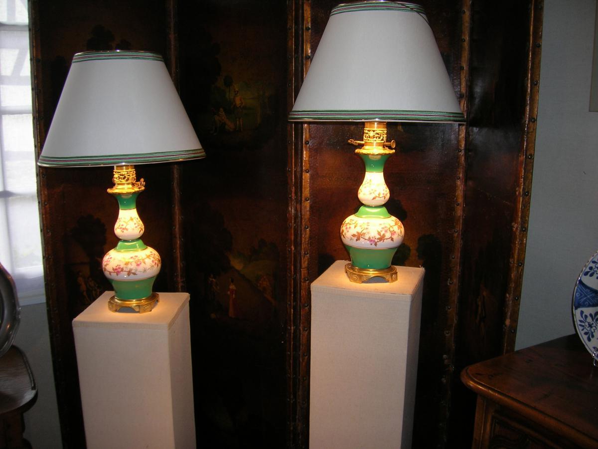 Paire De Lampes à Huile En Porcelaine époque Milieu XIX E Siecle