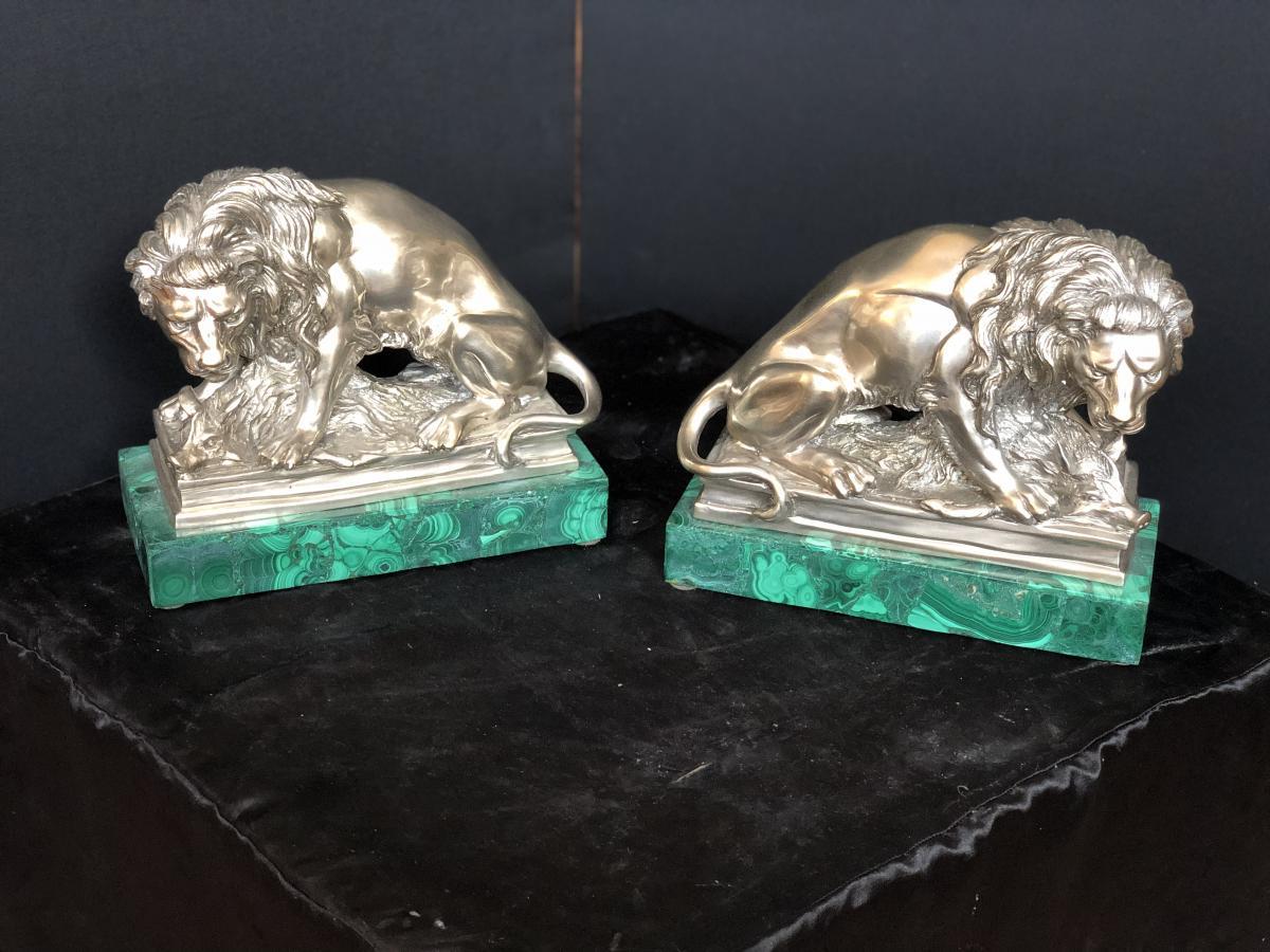 Couple De Lion En Bronze Argente Avec La Base En Malachite