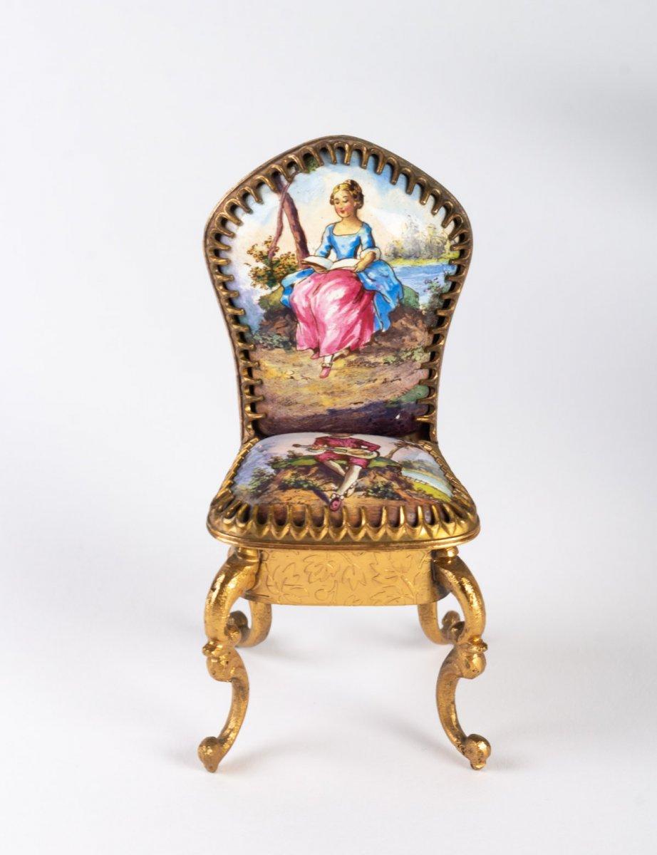 Miniature Représentant Un Ensemble De Salon En émail De Vienne, XIX ème .-photo-3