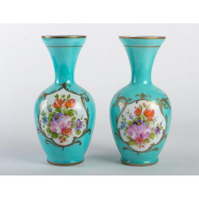 Paire De Vases En Opaline Verte à Décor De Bouquets De Fleurs, Fin Du XIX ème