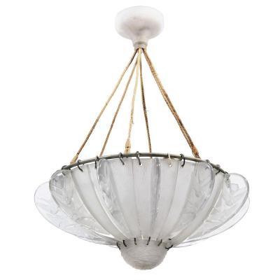 """René Lalique (1860-1945) Lustre modèle """"hirondelles"""""""