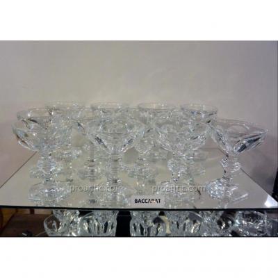 Baccarat  Modèle Harcourt 12 Coupes à Champagne