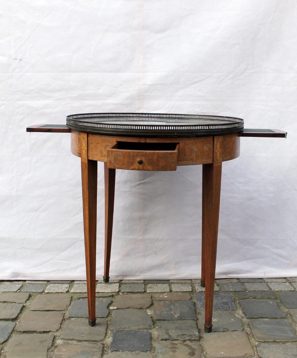 Boilette Table Directoire Style