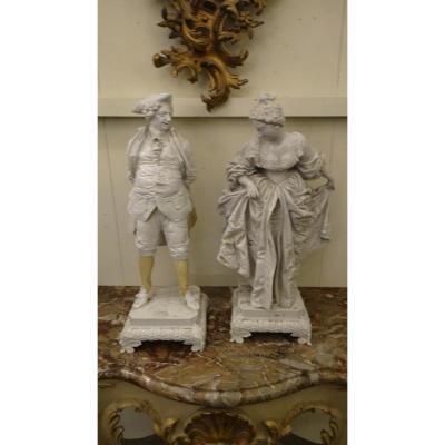Paire De Statues En Porcelaine