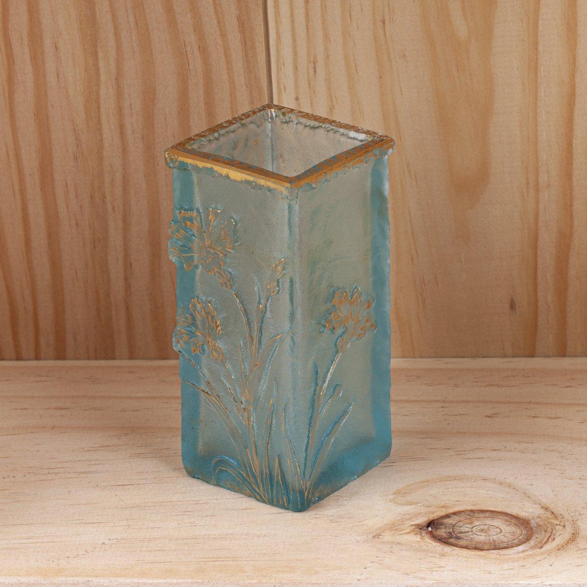 Une Petite Vase Daum Nancy de Style Art Nouveau