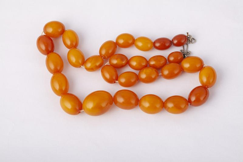 An Amber Necklace-photo-2