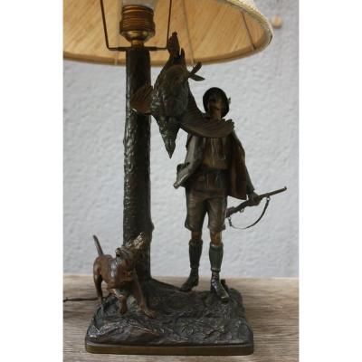 Bronze de Vienne, Début du20e Siècle , Lampe avec figure de chasseur