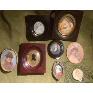 Lot mixte de 8 miniatures sur ivoire, 19e/20e siècle