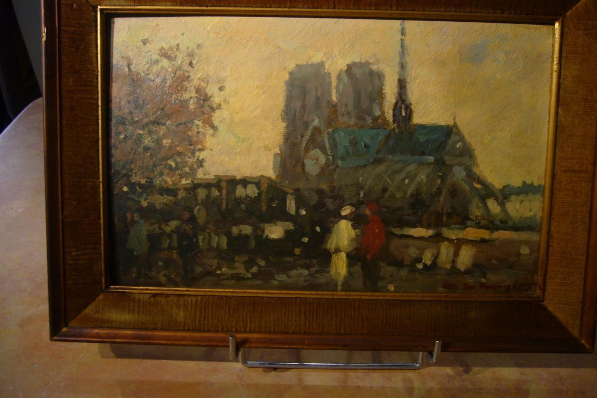 Paris Notre Dame   personnages devant les bouquinistes