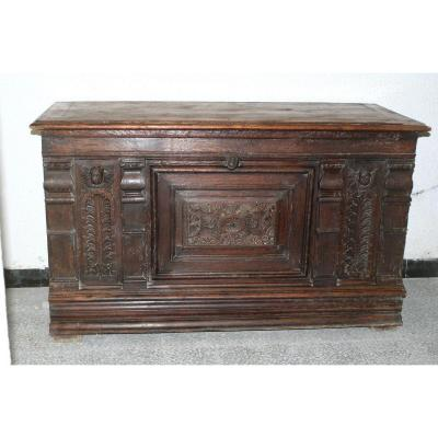 Chest In Carved Oak With Angelic Attributes 17th Century Period